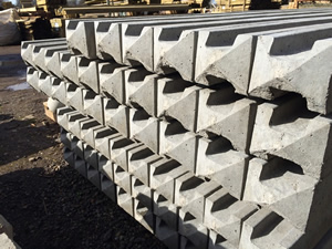 Slotted Point Top Concrete Fence Posts Picture
