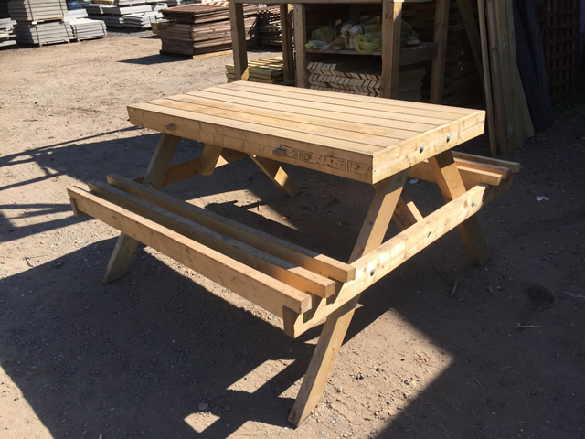 Solid Garden Seating Picnic Table